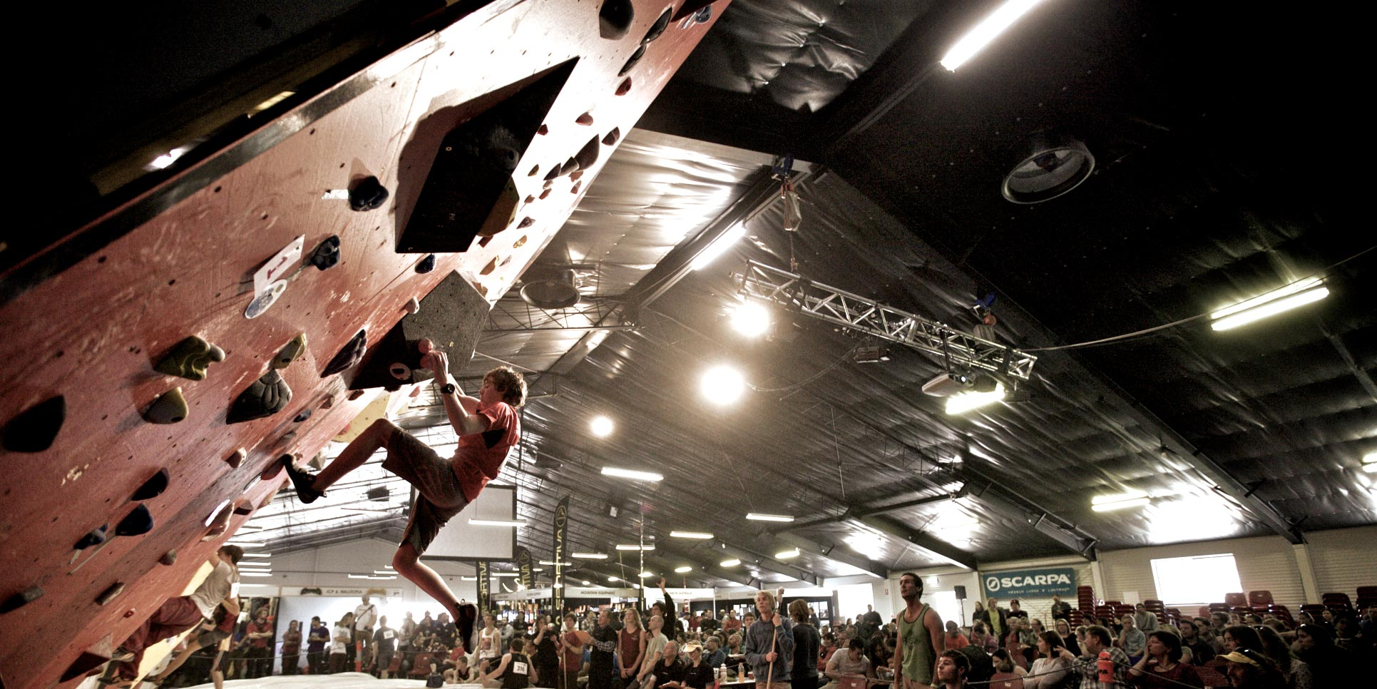 boy-bouldering-competition-oceania